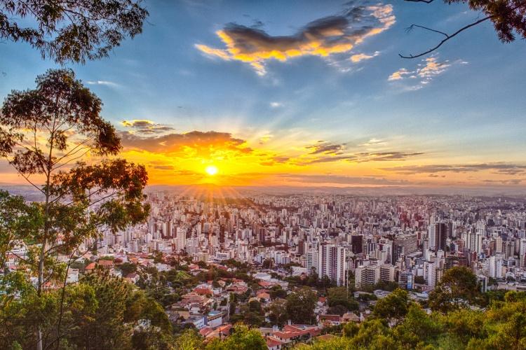 Vista do mirante no bairro Mangabeiras em Belo Horizonte, Minas Gerais, Brasil.